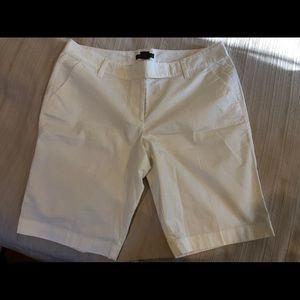 Ann Taylor Women's Shorts Size 12 New with Tags